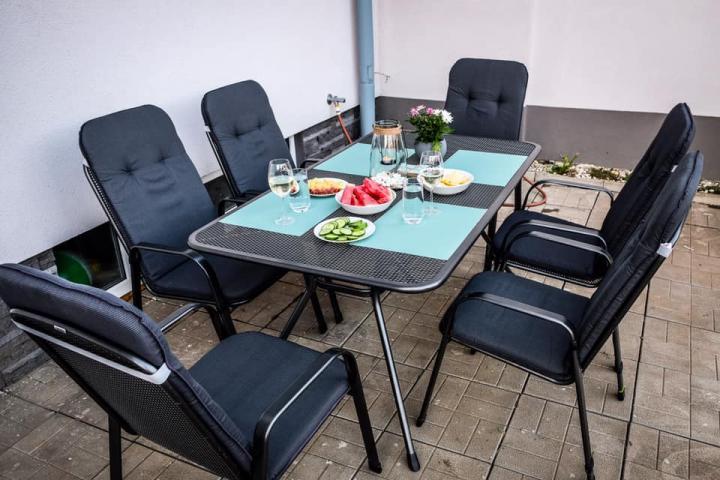 http://www.ubytovaninajarosce.cz/galerie/zahrada-na-jarosce1565947072.jpg