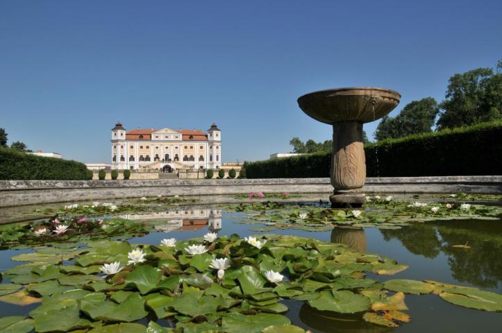 http://www.ubytovaninajarosce.cz/galerie/zamek-milotice1565285545.jpg